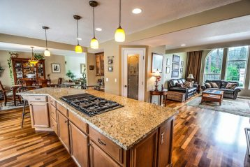 REAL-ESTATE-VIDEO-IMAGE-kitchen-2486092-1024x684